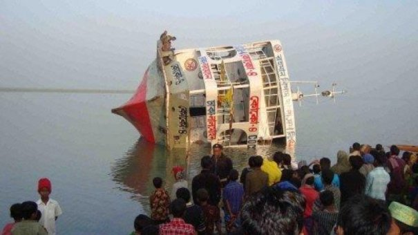 Some people couldn't make it to the shore. A common festival disaster in Bangladesh.